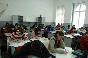 elevi-clasa-scriu1-300x199