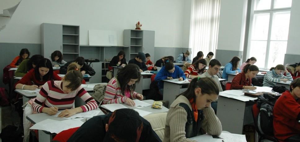 elevi-clasa-scriu (1)